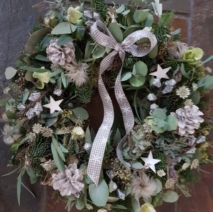 2017 Christmas Wreath Making at Hilly Horton Home